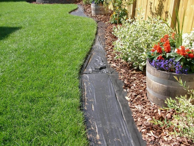 """Very good homeowner prep,  fabric could have been kept in 4"""" that would be ideal for curb"""