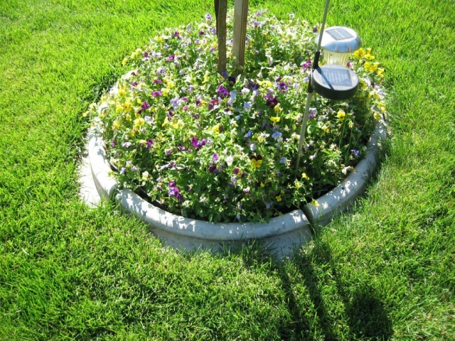 precast concrete edging- only comes in one diameter