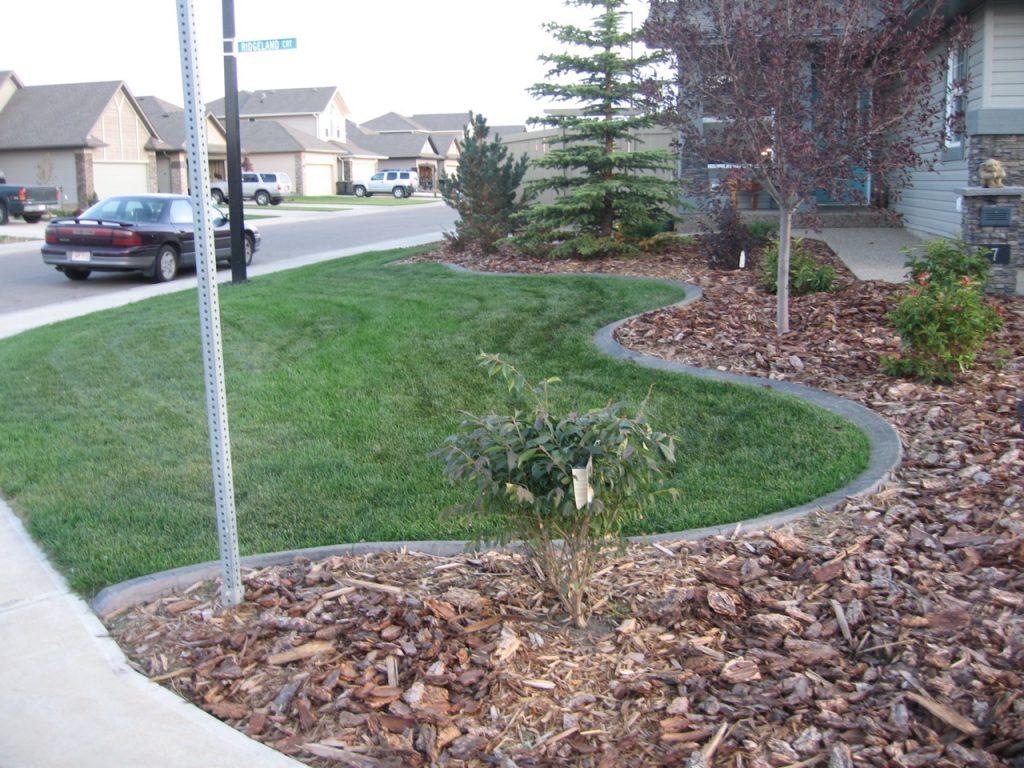 Corner lot design reduces cut-through